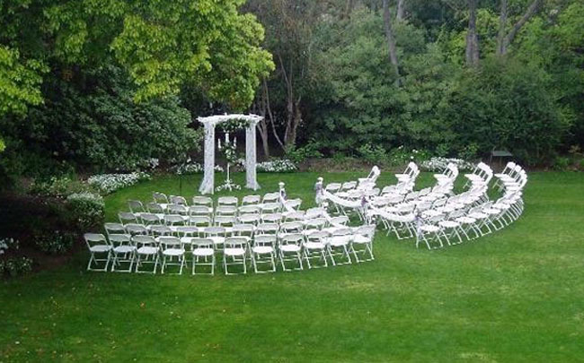 Sitting Arrangements in wedding programs