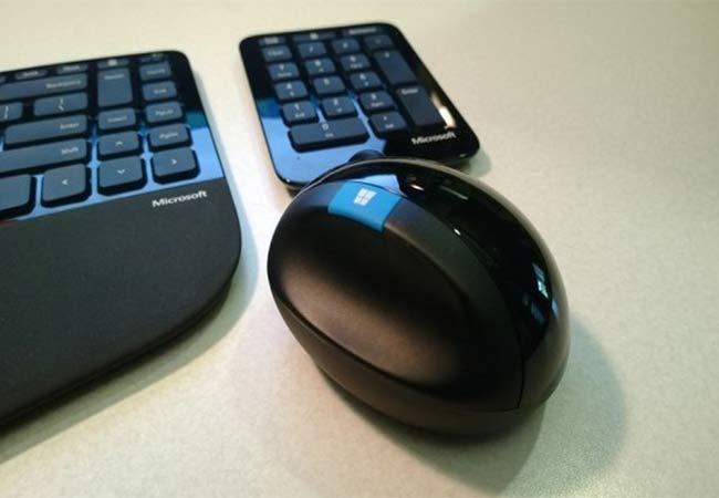 Use ergonomic keyboards and mousse