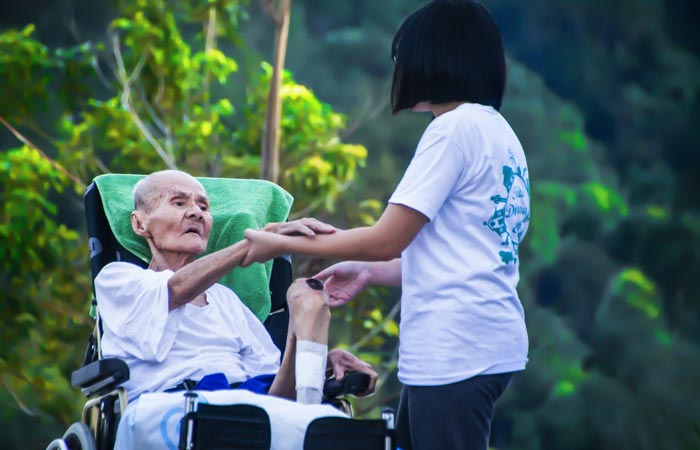 5 Signs Its Time to Look for a Senior Home
