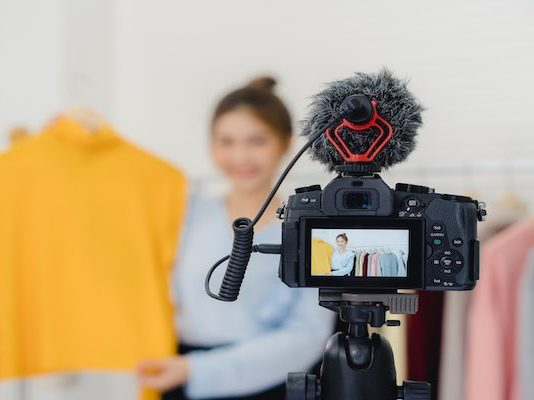 Set Up to Promote Your Clothing Store Online