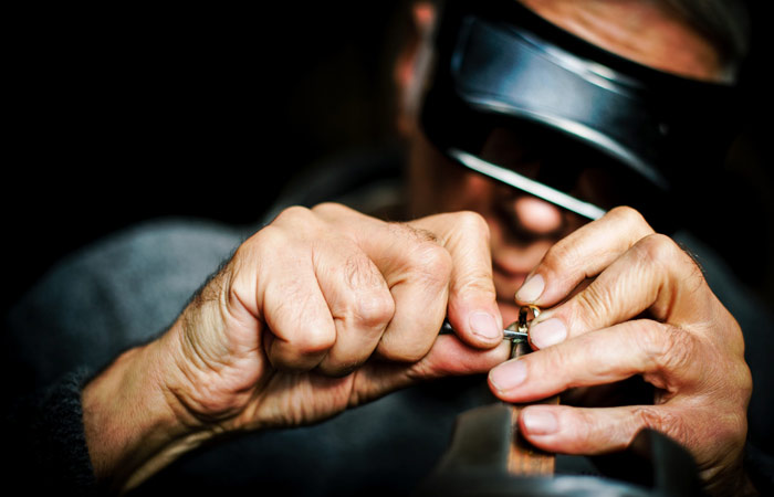 How to Choose a Jeweller