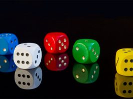 Make Life Rewarding with Online Gambling by Use Mobile and Internet